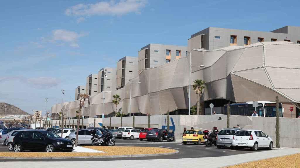 La menor ingresó en la UCI del Hospital Santa Lucía de Cartagena.