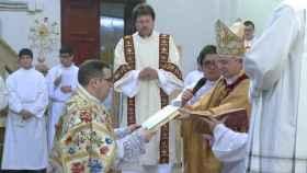 El obispo de Orihuela-Alicante, Jesús Murgui, en un acto litúrgico.