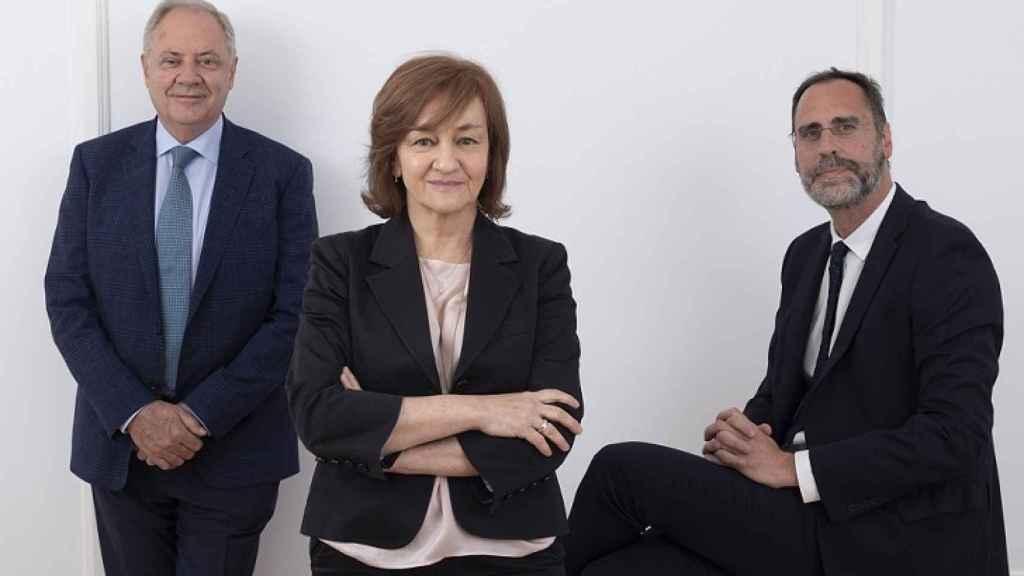 Santiago Torres (presidente), Isabel Lozano (consejera delegada) y José María Huch (director financiero de Atrys Health).