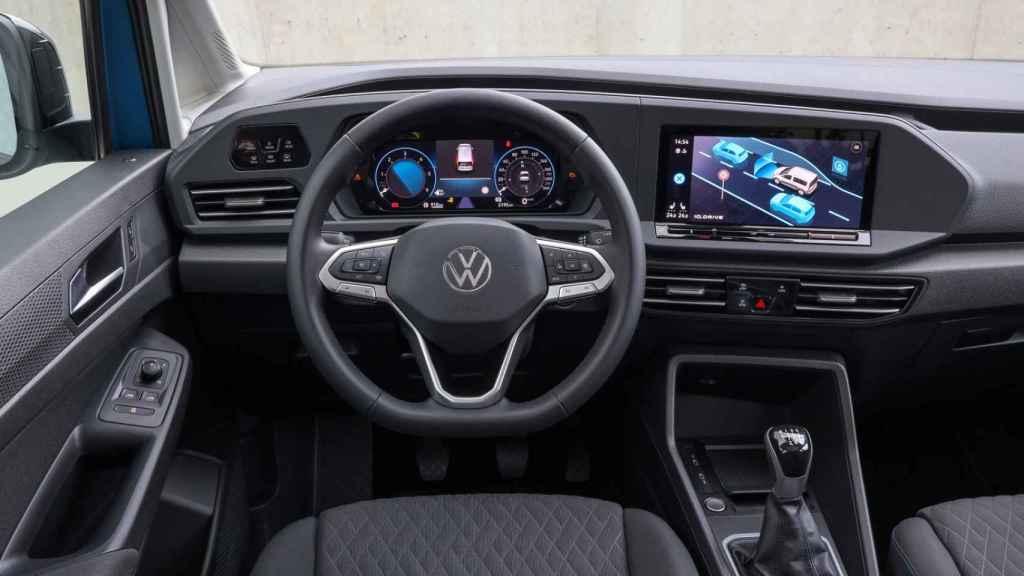 El interior nos recuerda al Volkswagen Golf.