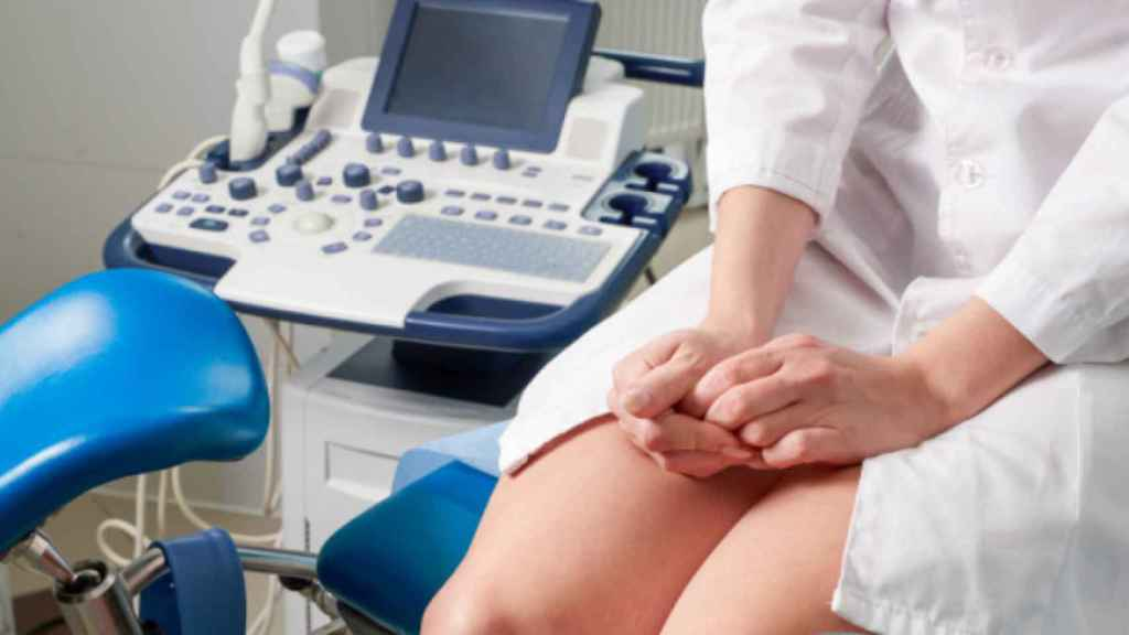 Una paciente en la consulta ginecológica.
