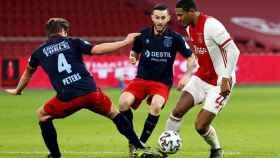 Sebastian Haller en un partido con el Ajax