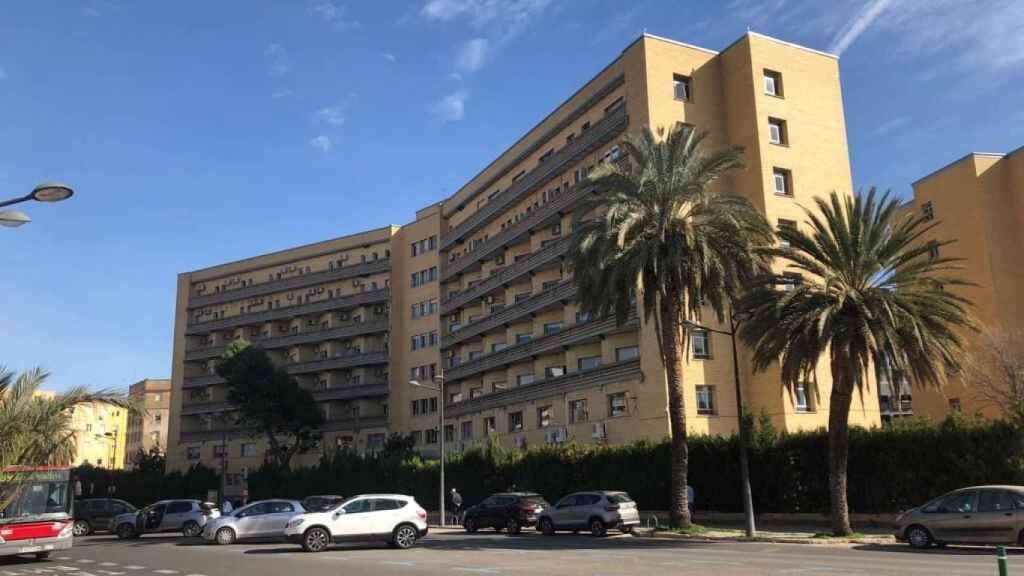 Edificio de la vieja Fe en el que se habilitó el hospital Covid. EE