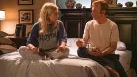 Rhea Seehorn y Bob Odenkirk en la temporada 5 de  'Better Call Saul'.