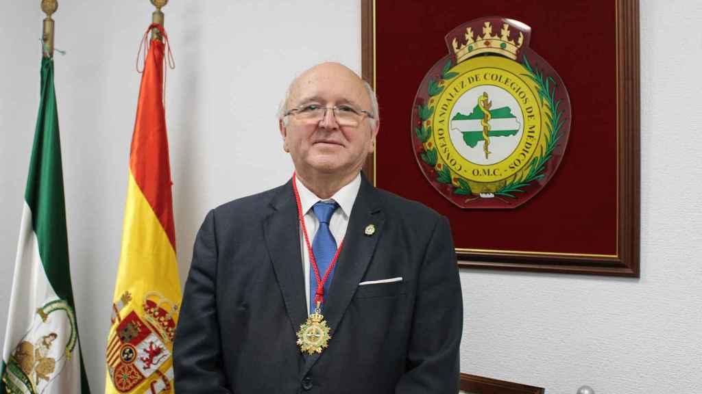 El presidente del Consejo Andaluz de Colegios de Médicos, Antonio Aguado.