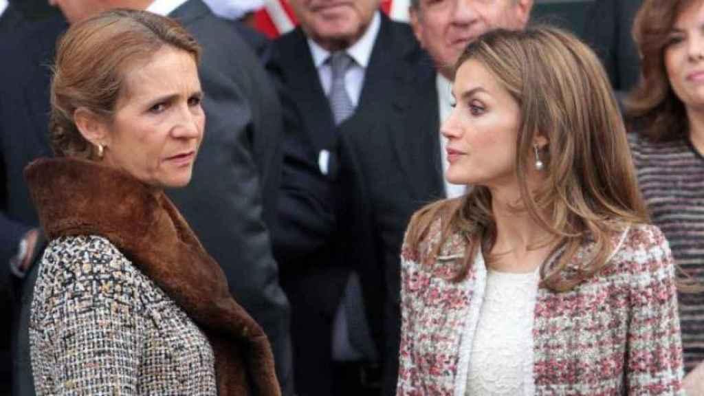La infanta Elena y la reina Letizia.
