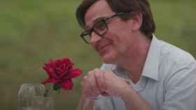 Salvador Illa busca un trío en la parodia de 'La Isla de las Tentaciones' de TV3
