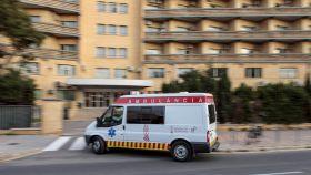Acceso al hospital habilitado en la escuela de enfermeria de la vieja Fe de Valencia.