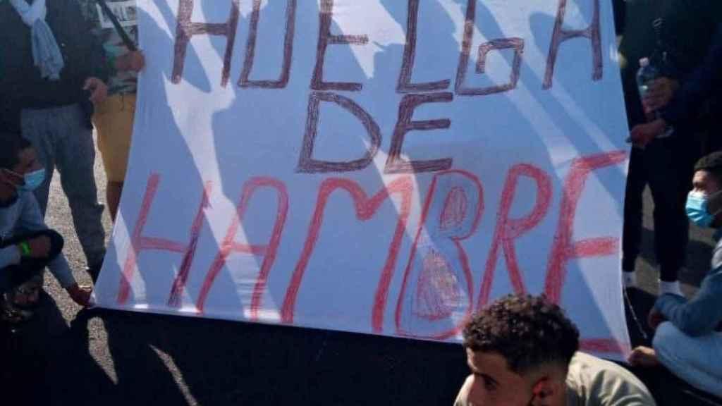 Los inmigrantes amenazan con una huelga de hambre.