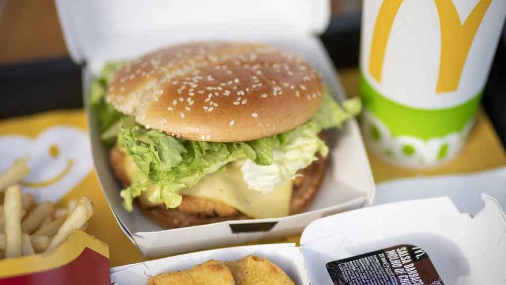 Este 2021 se lanzarán más productos de pollo como la hamburguesa American Style Chicken o los McNuggets.