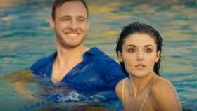 ¿Cuántas horas emite Mediaset a la semana de 'Love is in the air'?