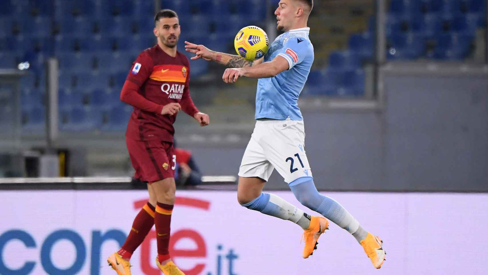 Milinkovic-Savic en un partido de la Lazio contra la Roma
