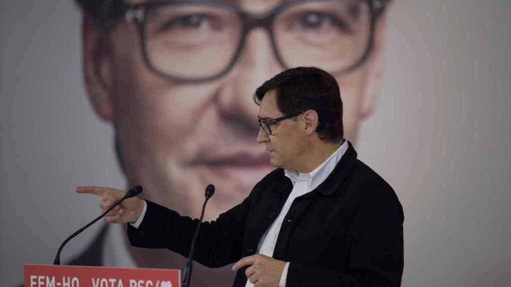 Salvador Illa, en un mitin de la campaña de las elecciones autonómicas en Cataluña del 14-F.