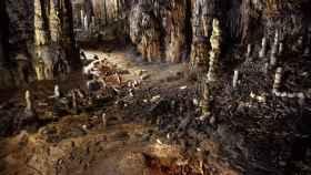 Esqueletos visigodos hallados en la cueva de La Garma.