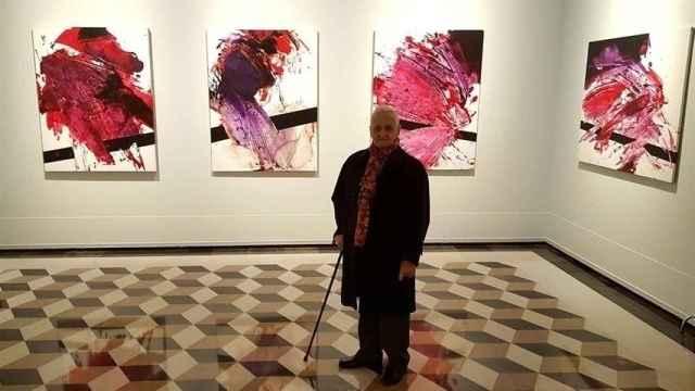 Luis Feito en una exposición de sus obras en enero de 2019.