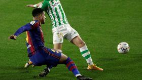 El momento justo de la lesión de Araujo frente al Betis