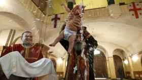 Un bautizo ortodoxo en imágenes de archivo.