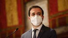 El ministro de Consumo, Alberto Garzón, con una mascarilla FFP2.