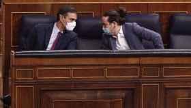 Sánchez e Iglesias, en la bancada azul del Congreso.