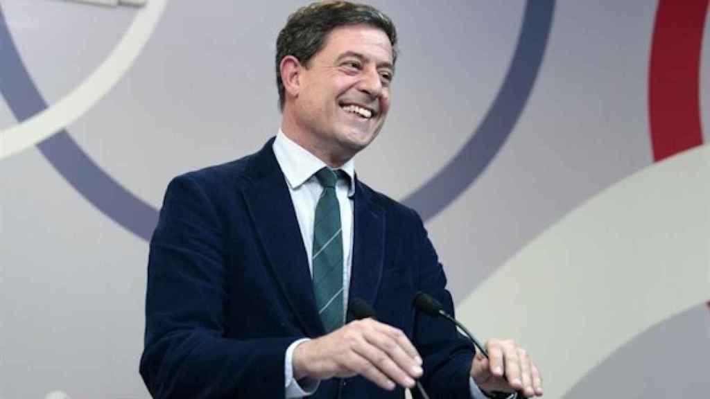 El exsecretario general del PSdeG José Ramón Gómez Besteiro en la rueda de prensa en la que anunció su dimisión, en 2016.