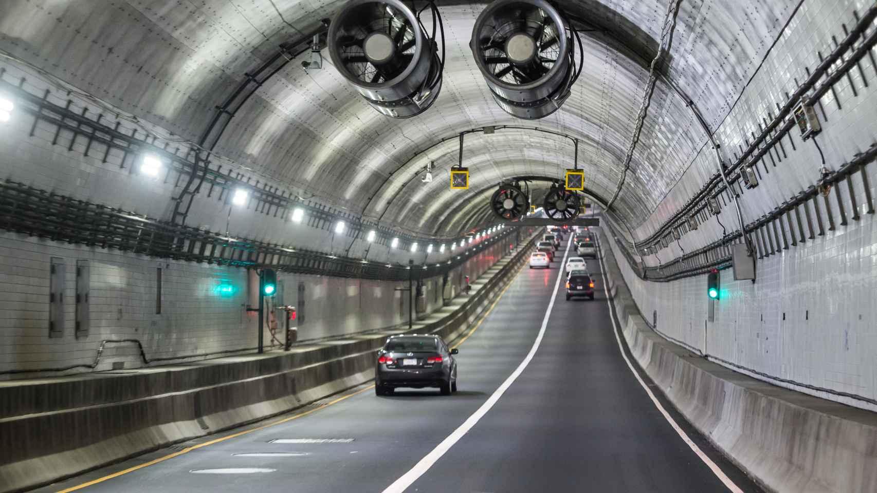 Túneles de la autopista Elizabeth River Crossings.