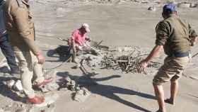 Las labores de rescate tras la inundación.