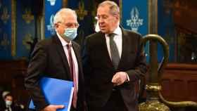 Josep Borrell y Sergei Lavrov, durante la tensa rueda de prensa del pasado viernes