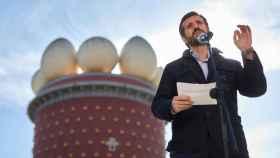 El líder del Partido Popular, Pablo Casado, en un acto de campaña en Figueras.