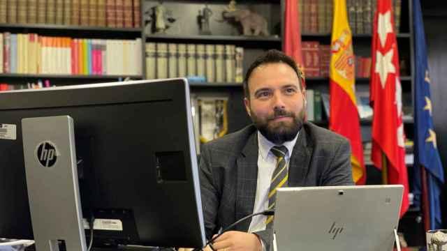 El concejal Ángel Niño, en su despacho.