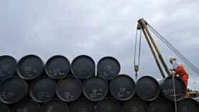 Las importaciones de crudo a España caen en 2020 a su nivel más bajo desde 2011