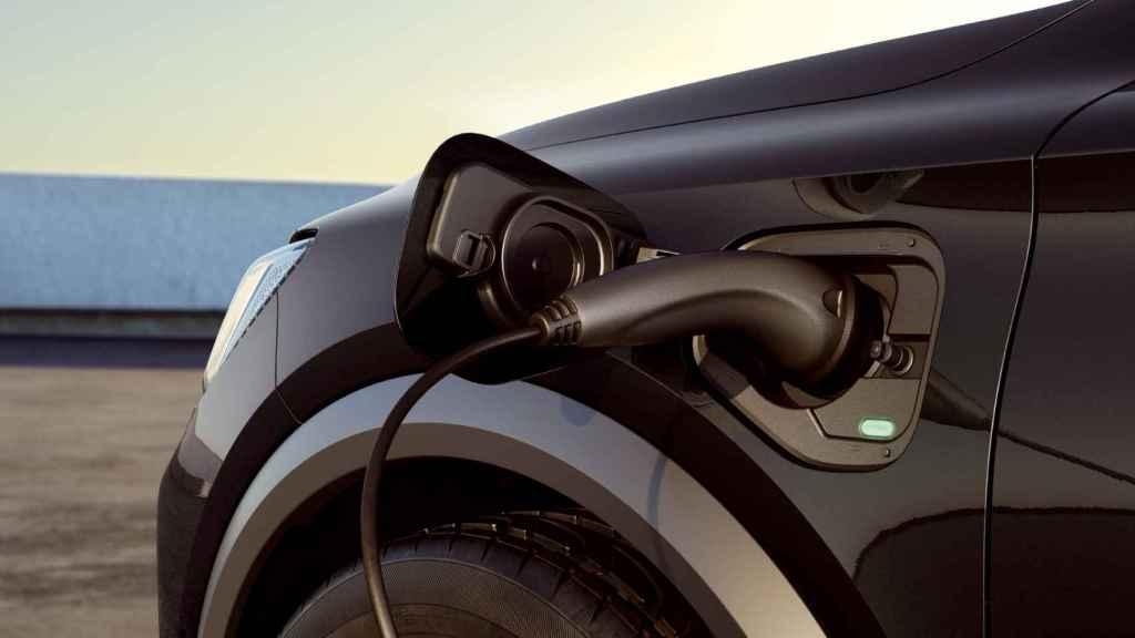 Puede recorrer hasta 55 kilómetros en modo 100% eléctrico.