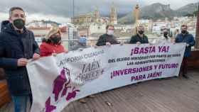 """Jaén, un polvorín a punto de estallar al perder la megabase del Ejército: """"El Gobierno nos engañó"""""""