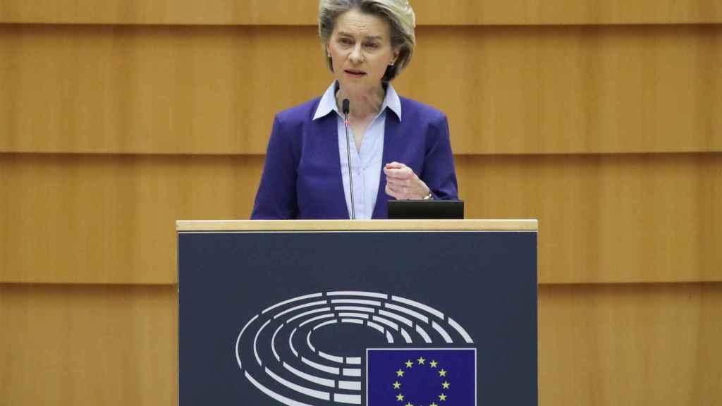 Ursula von der Leyen ha defendido su estrategia de vacunas en la Eurocámara