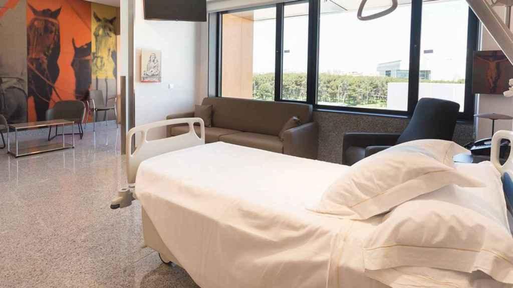 Una de las habitaciones de la Clínica Universidad de Navarra, en Madrid, como en la que se encuentra Sara Carbonero.