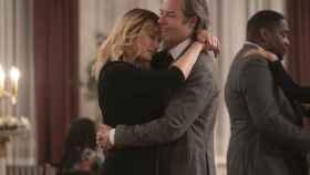 Kate Winslet y Guy Pearce en 'Mare of Easttown'.