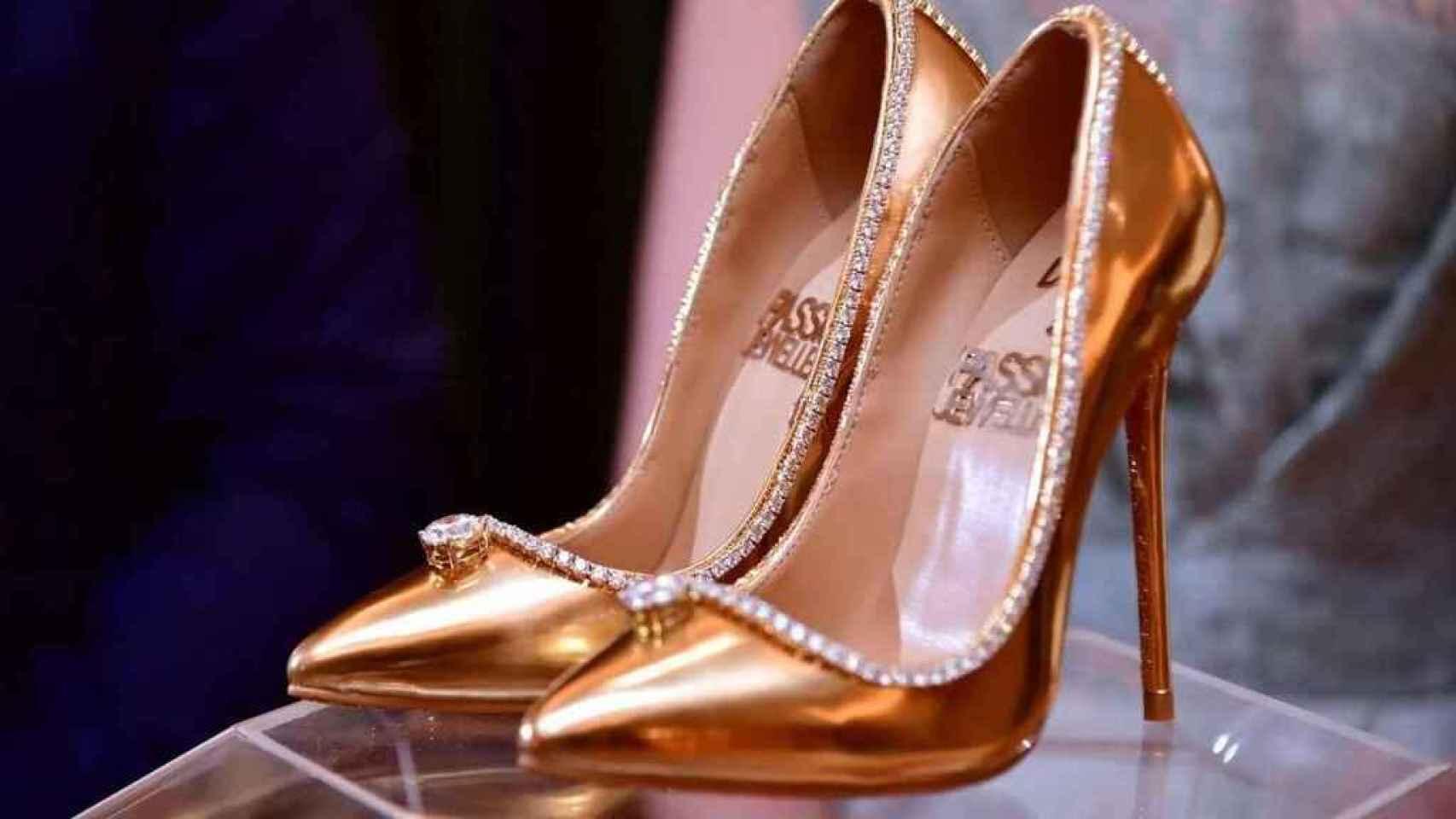 Zapatos de la firma Jada Dubai.