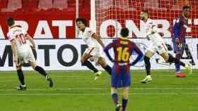 Jules Koundé celebra su gol al Barcelona