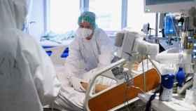 Personal sanitario del Hospital Universitario Marqués de Valdecilla de Santander.