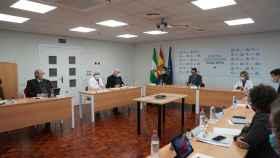 El presidente de la Junta de Andalucía, Juanma Moreno, preside el comité de expertos en Córdoba.