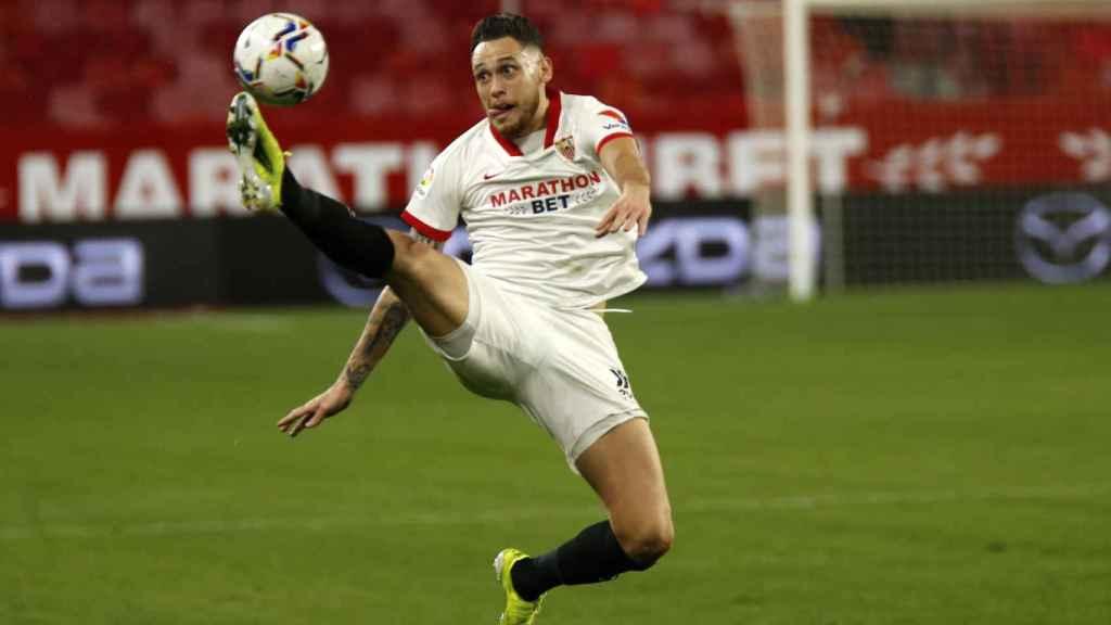 Lucas Ocampos con el Sevilla