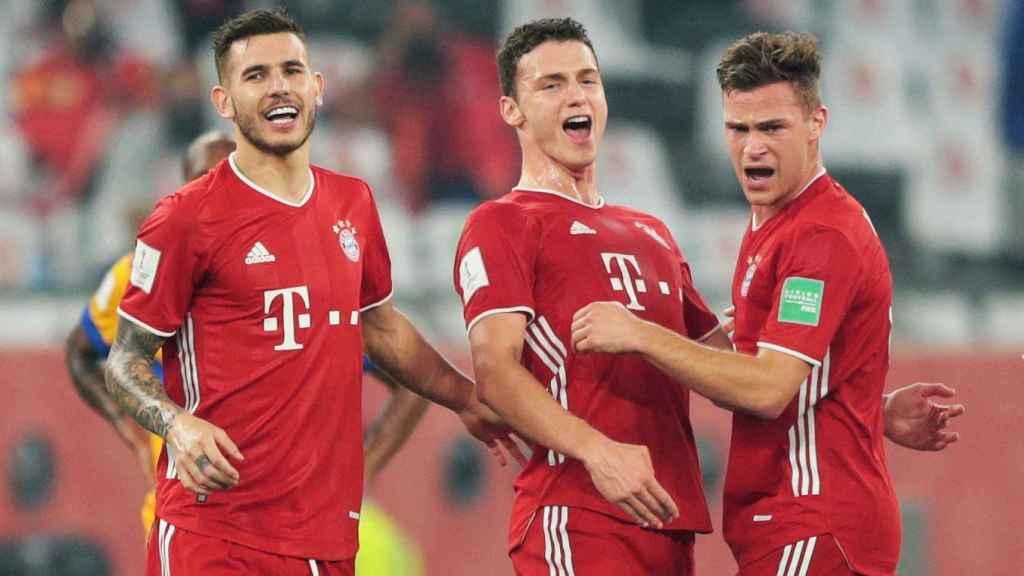 Pavard celebra su tanto con el Bayern