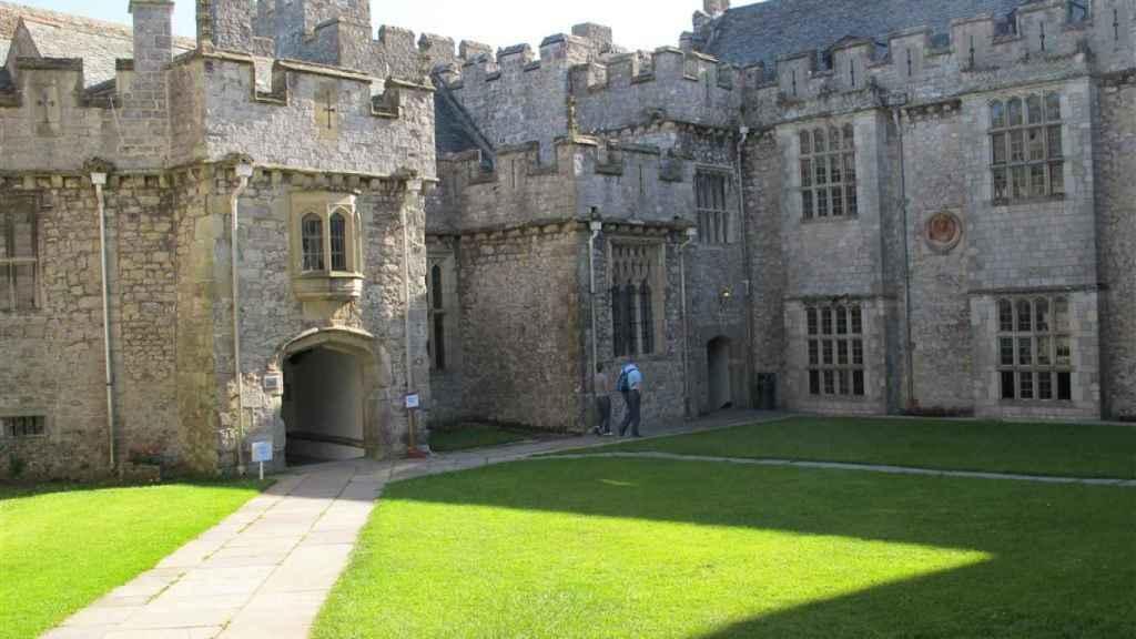 El Atlantic College tiene su sede en un castillo del siglo XII.