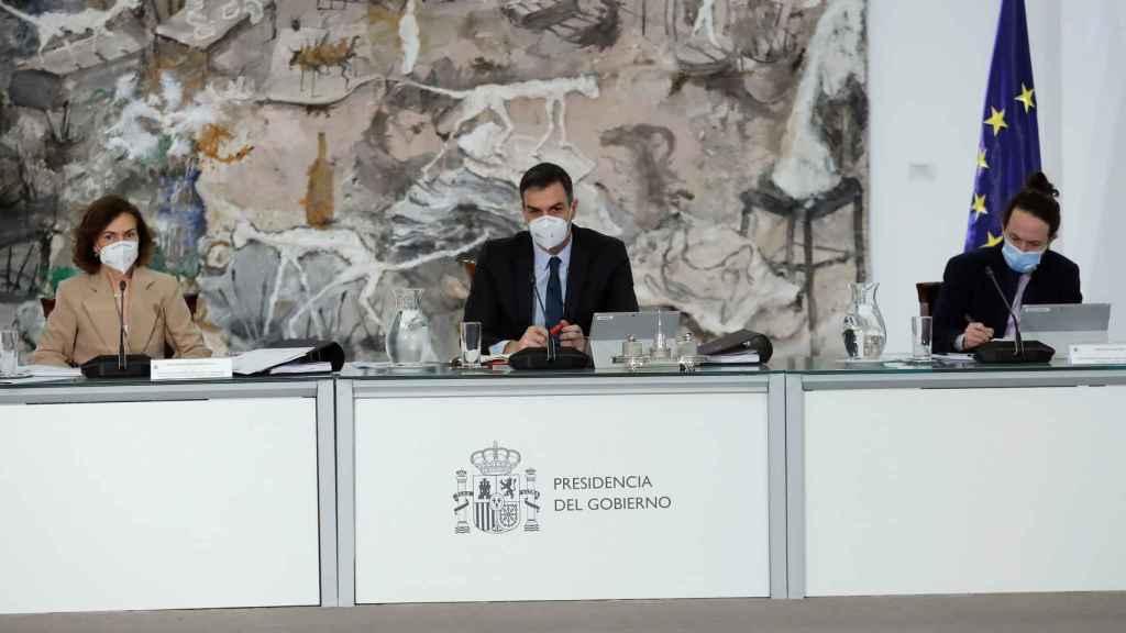 Sánchez, Calvo e Iglesias, durante una reunión del Consejo de Ministros.