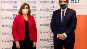 La directora general de Becton Dickinson España y Portugal, Lourdes López Jiménez, y el presidente de HM Hospitales, Juan Abarca Cidón.