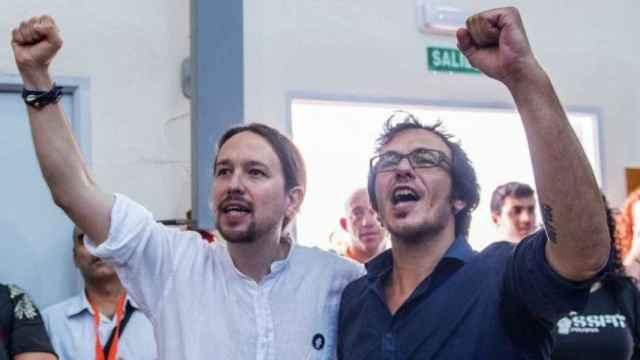 El líder de Podemos, Pablo Iglesias, y el alcalde de Cádiz, José María González 'Kichi', en una imagen de archivo. Efe