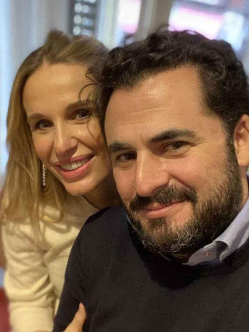 Emiliano Suárez y Carola Baleztena casándose este jueves 11 de febrero.
