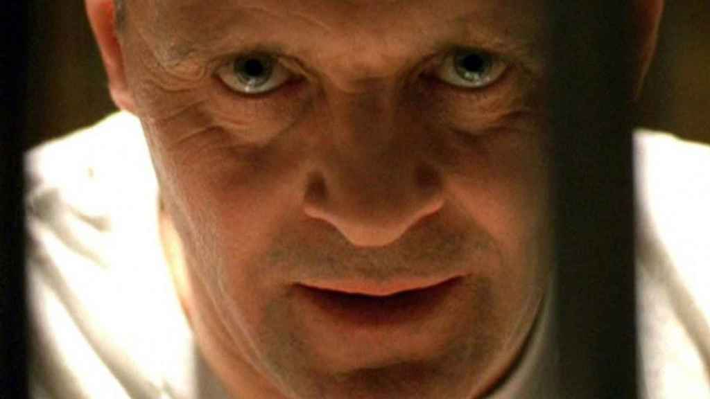 Anthony Hopkins como Hannibal Lecter.