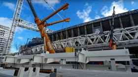 Las piezas para el montaje de la segunda cercha longitudinal de las obras del Estadio Santiago Bernabéu