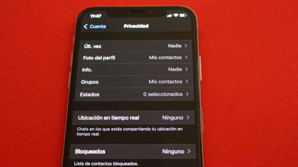 WhatsApp permite que el usuario decida quién puede ver su foto de perfil, entre otros ajustes.