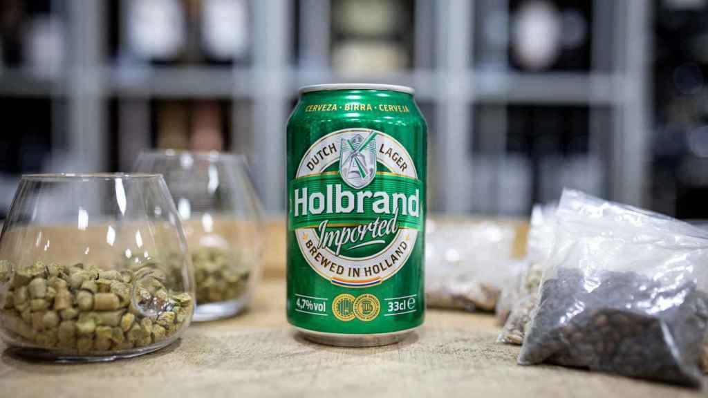 La cerveza Holbrand, la marca blanca de Alcampo.